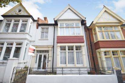 5 Bedrooms Terraced House for sale in Westcliff-On-Sea, ., Essex