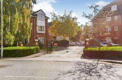1 Bedroom Flat for sale in Holm Oak Park, Hagden Lane, Watford, Hertfordshire