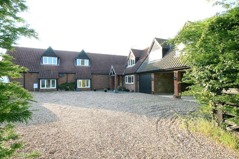 5 Bedrooms Barn Conversion Character Property for sale in Butlers Barn, Northall, Bucks.