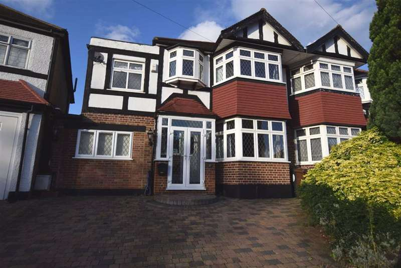4 Bedrooms Semi Detached House for rent in Colvin Gardens, Chingford