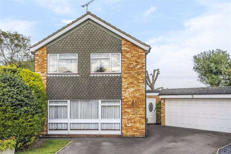 3 Bedrooms Detached House for sale in Pollards Close, Goff's Oak