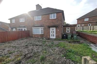 3 Bedrooms Semi Detached House for rent in 33 Springfield Crescent, Somercotes, Alfreton