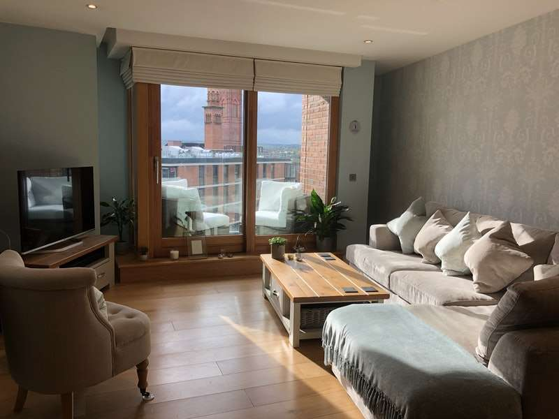 2 Bedrooms Flat for sale in Wharf Approach, Leeds, West Yorkshire, LS1