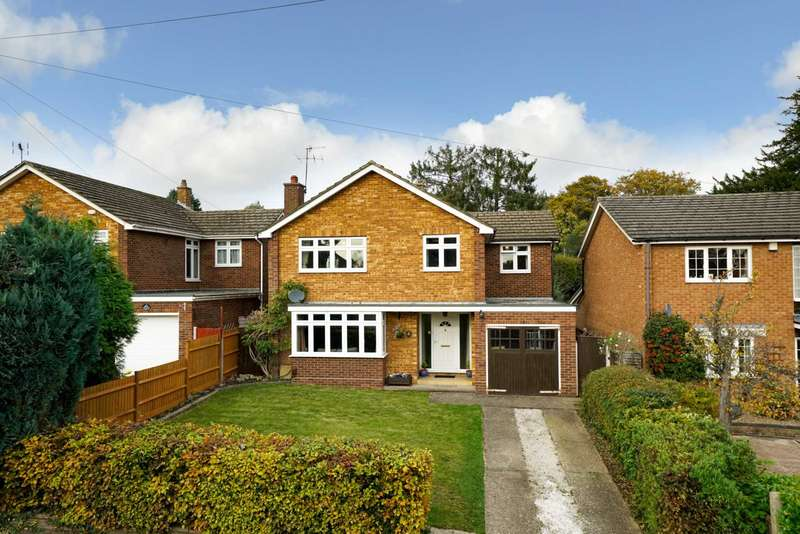 4 Bedrooms Detached House for sale in Bargrove Avenue, Boxmoor