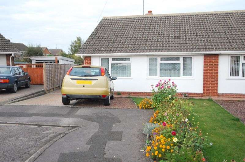 2 Bedrooms Property for sale in Manor Park, Gloucester