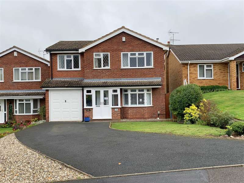 4 Bedrooms Detached House for sale in Morris Drive, Stafford