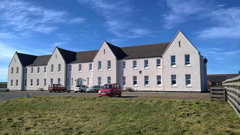 2 Bedrooms Flat for sale in Fairview House, Halkirk, Caithness, KW12 6XF