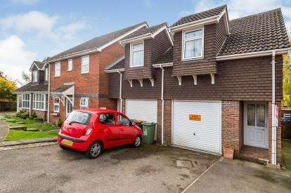 2 Bedrooms Maisonette Flat for sale in Wivelsfield, Eaton Bray, Dunstable, Bedfordshire