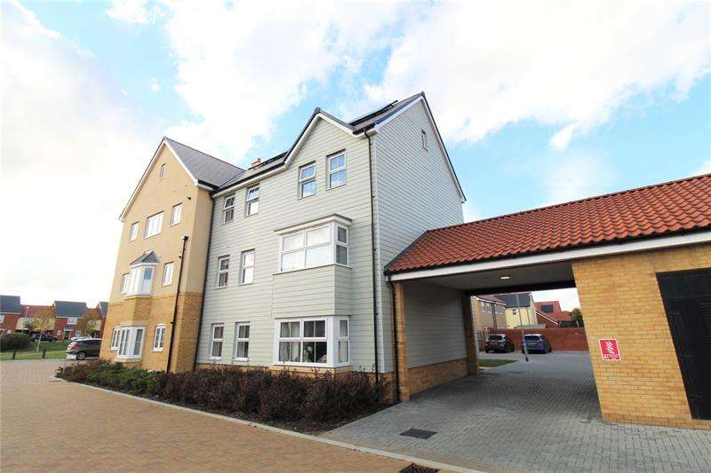 2 Bedrooms Apartment Flat for sale in Edward Place, Rochford, SS4