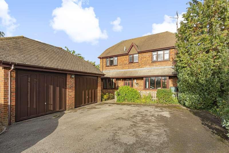 4 Bedrooms Detached House for sale in Blacknest Road, Isington, Farnham, GU34