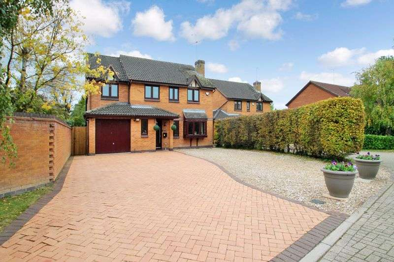 5 Bedrooms Property for sale in Wren Walk, Edlesborough, Buckinghamshire