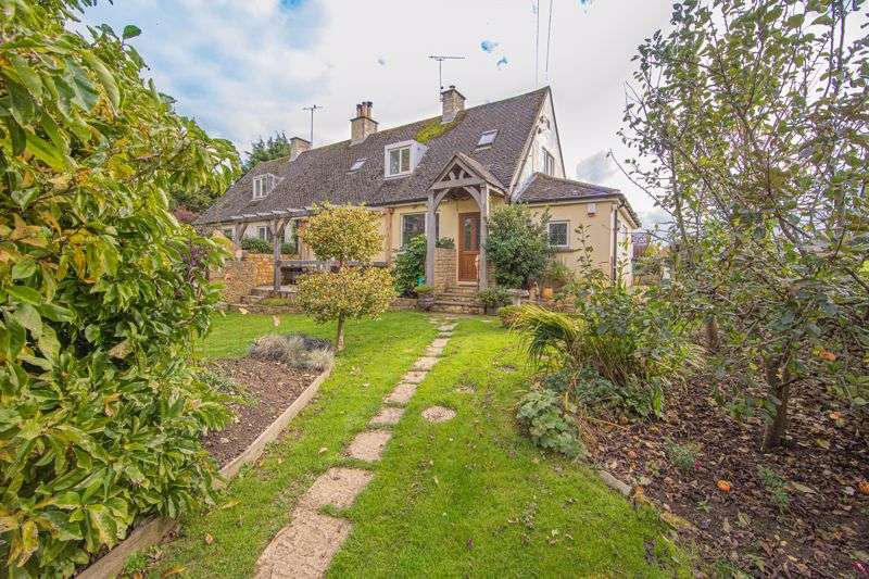 3 Bedrooms Property for sale in Doughton, Tetbury
