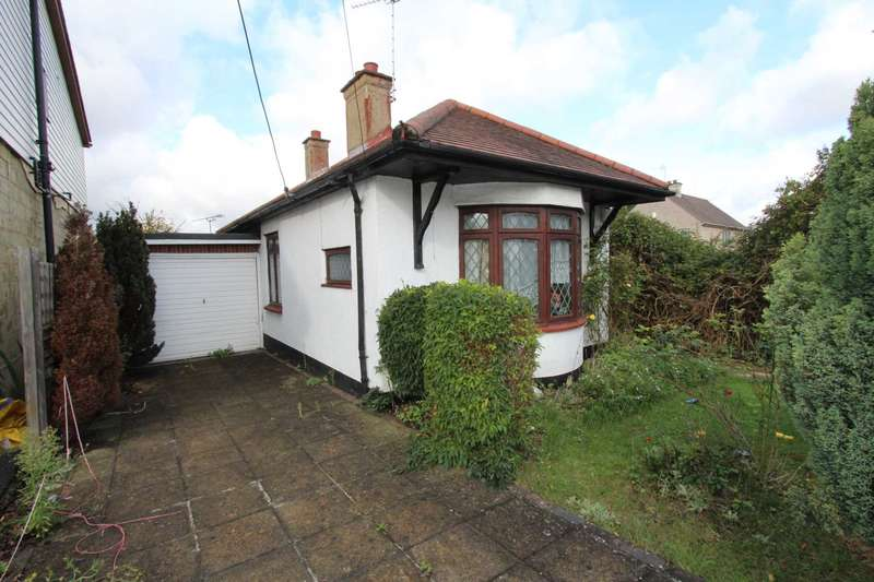 2 Bedrooms Detached Bungalow for sale in Spencer Road, Benfleet
