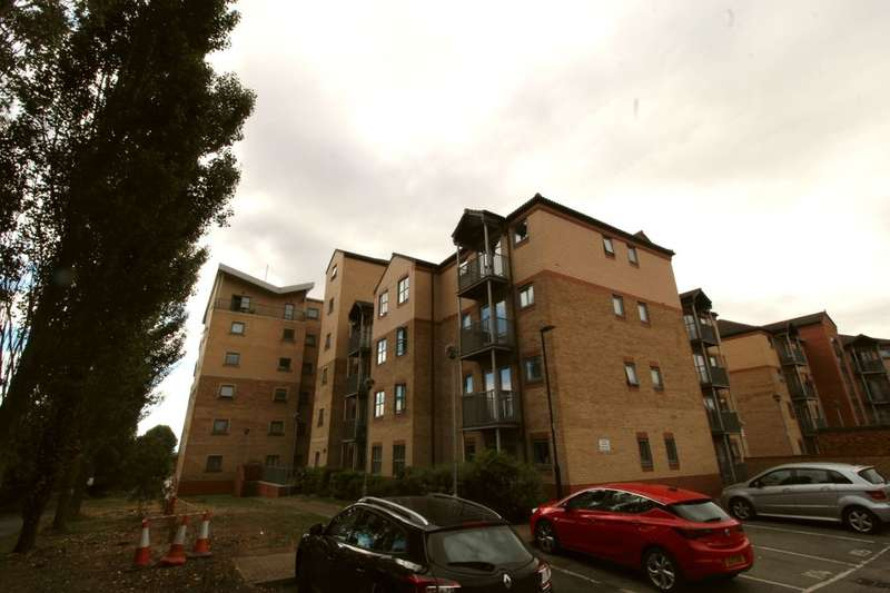 2 Bedrooms Flat for rent in Kentmere Drive, Lakeside, Doncaster, DN4