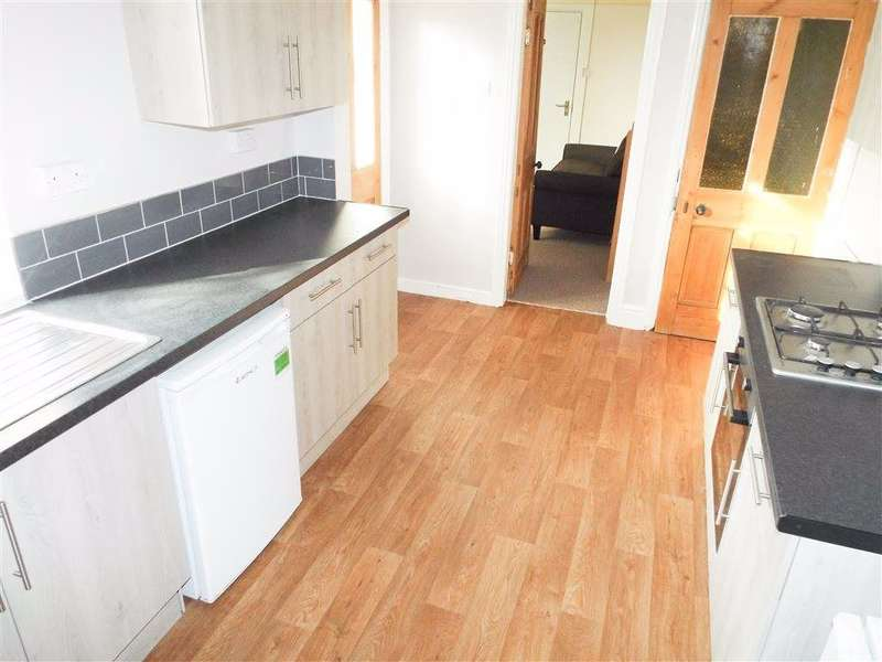 5 Bedrooms Semi Detached House for rent in Ashlin Grove, Lincoln