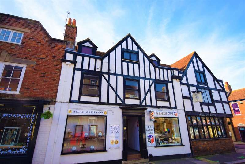 2 Bedrooms Flat for sale in Holyrood Street, Newport