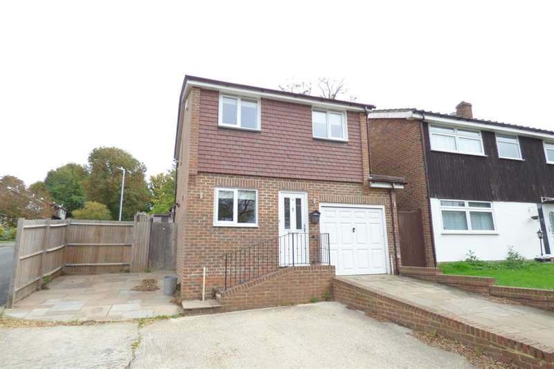 3 Bedrooms Detached House for rent in Coopers Close , South Darenth , Dartford , DA4 9AH