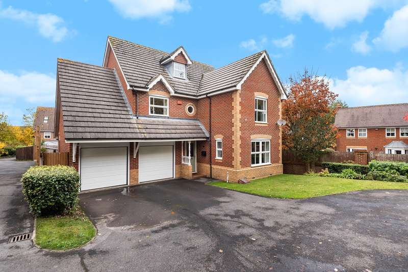 4 Bedrooms Detached House for sale in Puffin Close, Gabriel Park, Basingstoke, RG22
