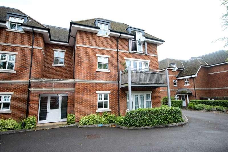 2 Bedrooms Apartment Flat for sale in Bramshott Place, 30-32 Fleet Road, Fleet, GU51