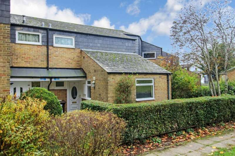 3 Bedrooms Property for sale in Florence Court, Andover, SP10