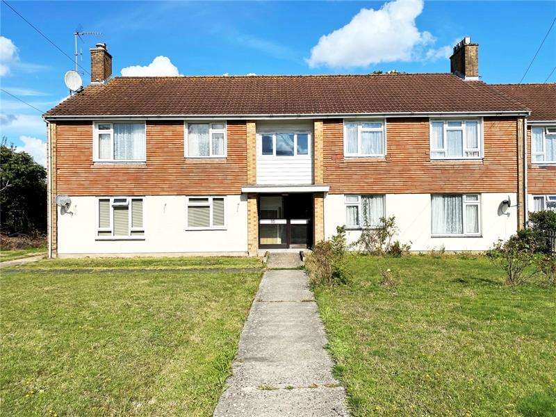 2 Bedrooms Apartment Flat for sale in Russel Road, Kinson, Bournemouth, Dorset, BH10