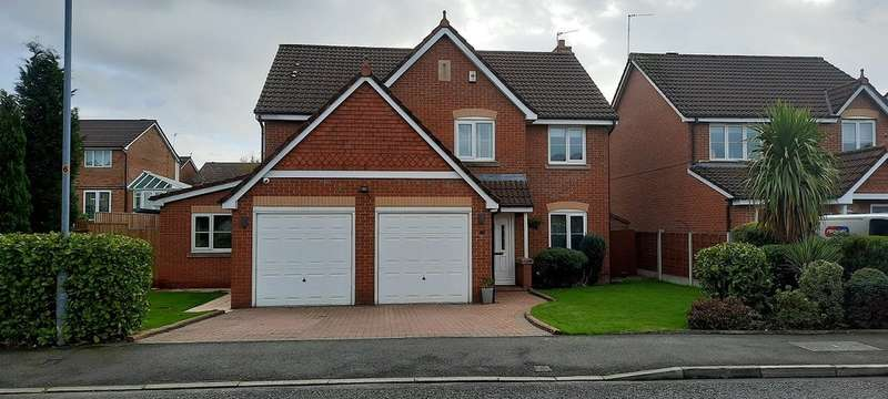 5 Bedrooms Detached House for sale in Hurst Meadow, Rochdale
