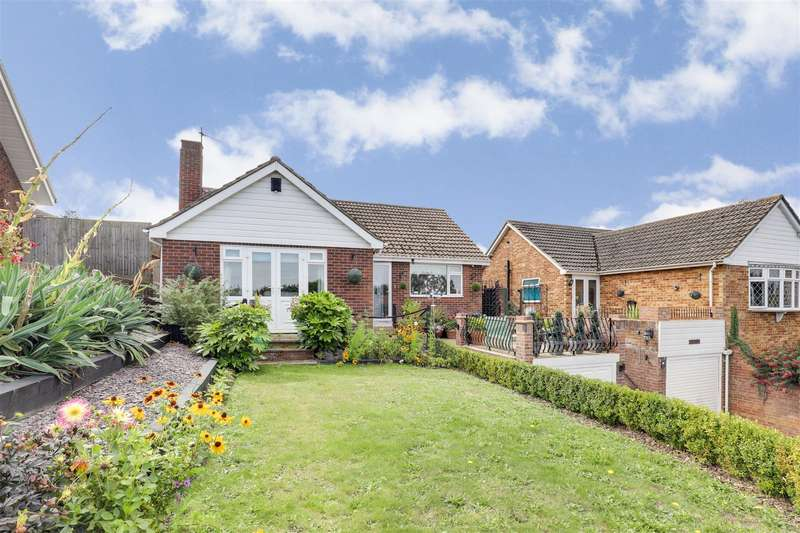4 Bedrooms Chalet House for sale in London Road, Newington, Sittingbourne