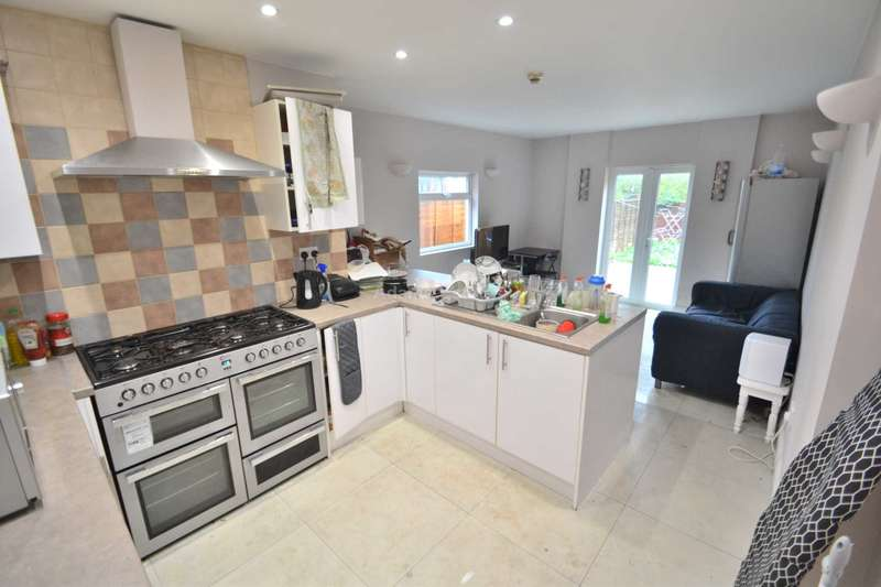 8 Bedrooms Terraced House for rent in London Road, Reading