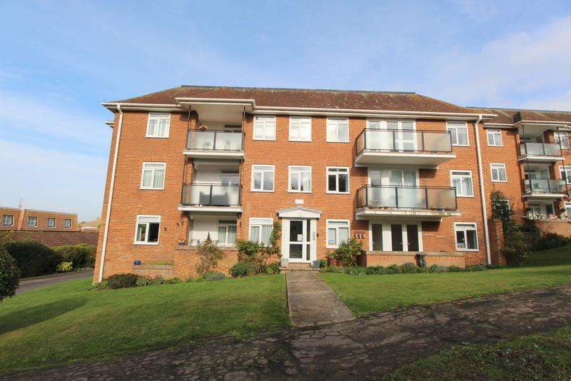 2 Bedrooms Flat for sale in Holland Place, Frinton-On-Sea, CO13 9ES