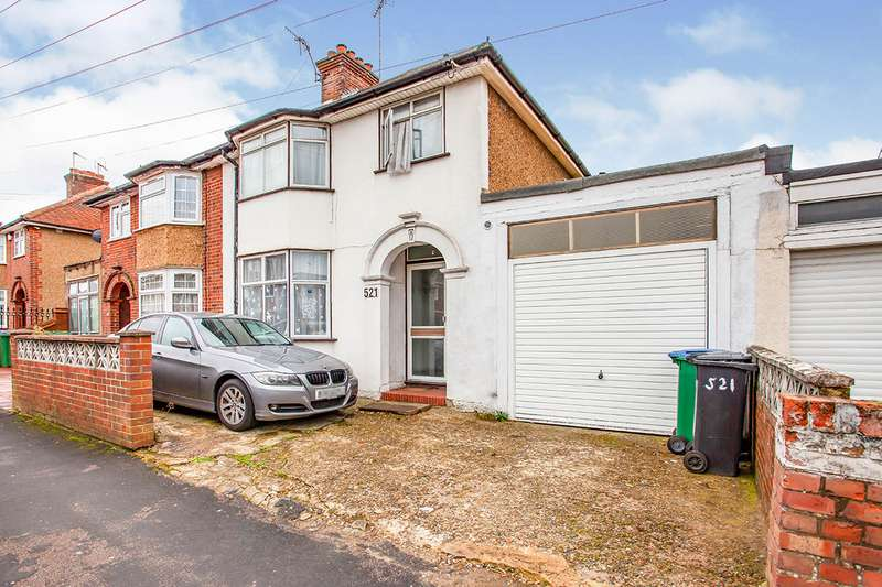 3 Bedrooms Semi Detached House for sale in Whippendell Road, Watford, Hertfordshire, WD18