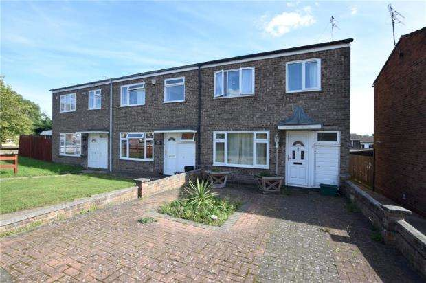 3 Bedrooms End Of Terrace House for sale in Ferdinand Walk, Colchester, Essex