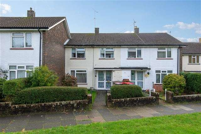 3 Bedrooms Terraced House for rent in Southgate, Crawley