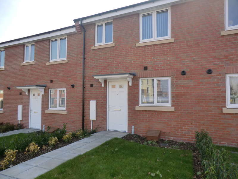 3 Bedrooms Terraced House for rent in Terry Road, Stoke, Coventry