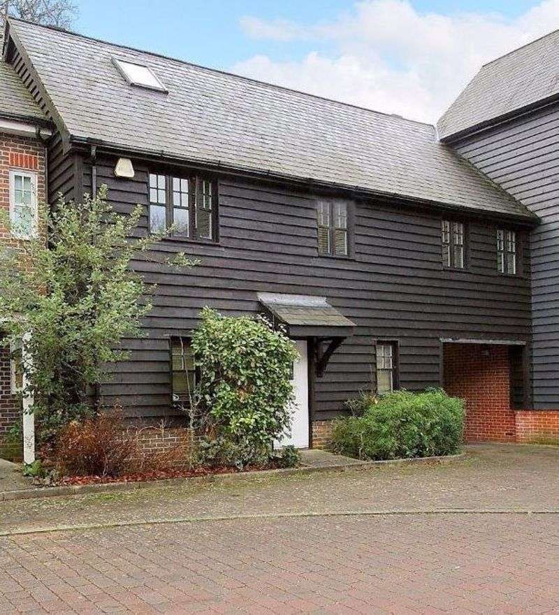 3 Bedrooms Property for sale in Mill Place, Micheldever Station, Winchester, Hampshire, SO21