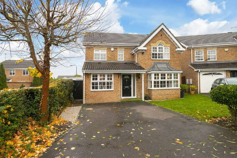 4 Bedrooms Detached House for sale in Harrier Way, Waltham Abbey