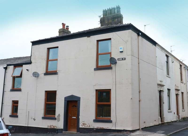 2 Bedrooms Terraced House for sale in Lune Street, Longridge, Lancashire, PR3