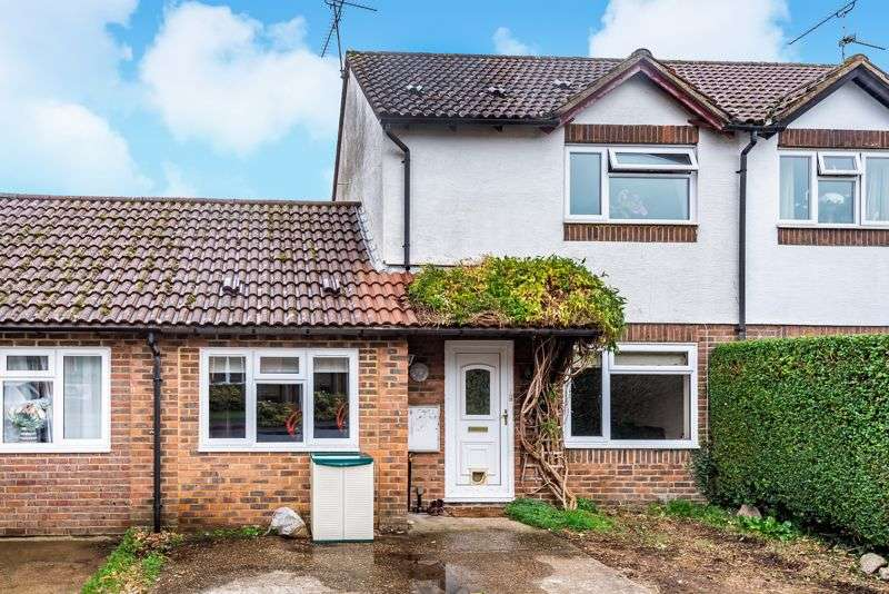 3 Bedrooms Property for sale in Vindomis Close, Holybourne,