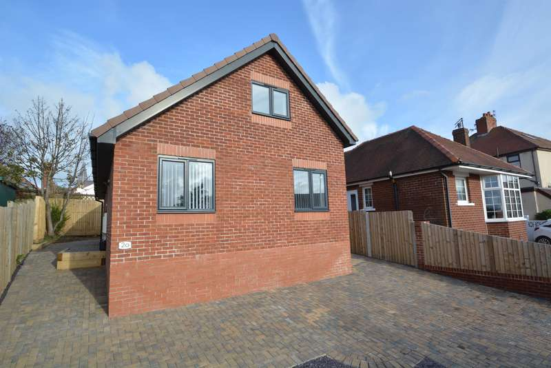 3 Bedrooms Detached Bungalow for sale in St Louis Avenue, Blackpool, FY3 7EJ
