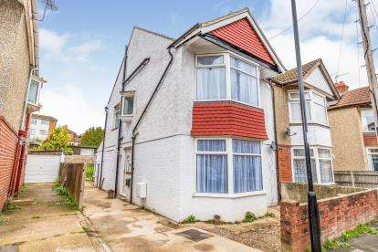 4 Bedrooms Semi Detached House for sale in Bassett, Southampton, Hampshire