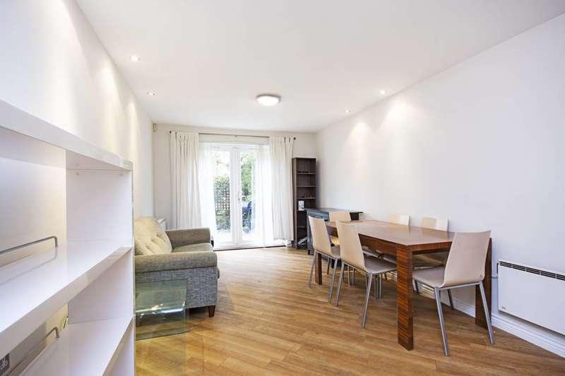 3 Bedrooms Flat for rent in Cottrill Gardens, Hackney, E8