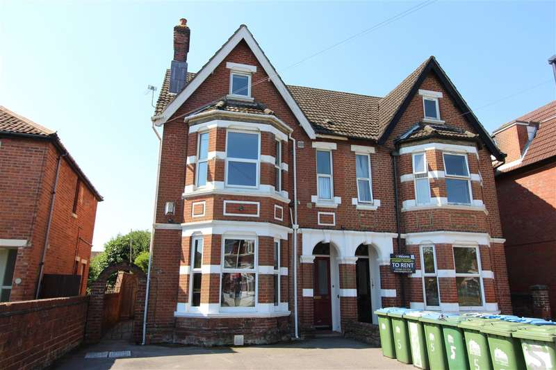 5 Bedrooms Apartment Flat for rent in B,Landguard Road, ****** All bills inlcuded ******* All bills inlcuded ********VIDEO TOUR AVAILABLE***, Southampton