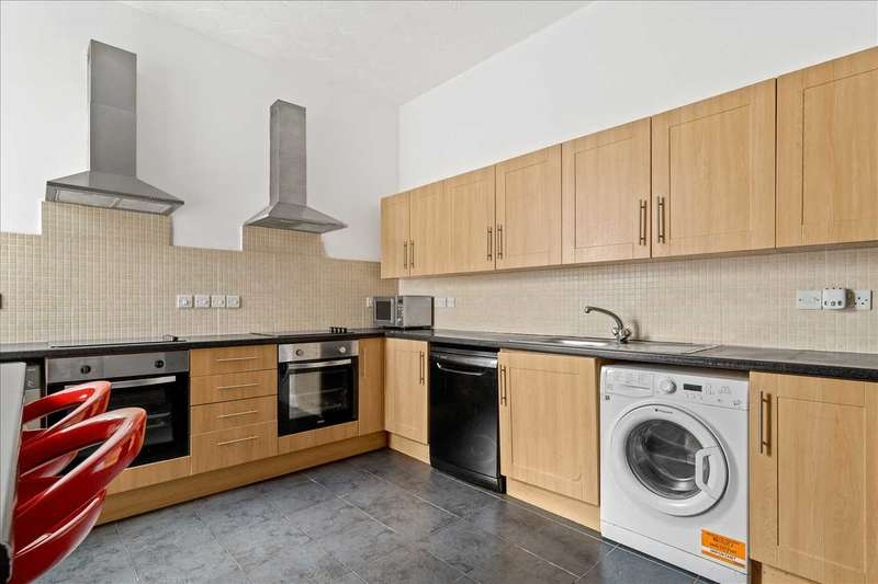 9 Bedrooms End Of Terrace House for rent in Gordon Terrace, Plymouth