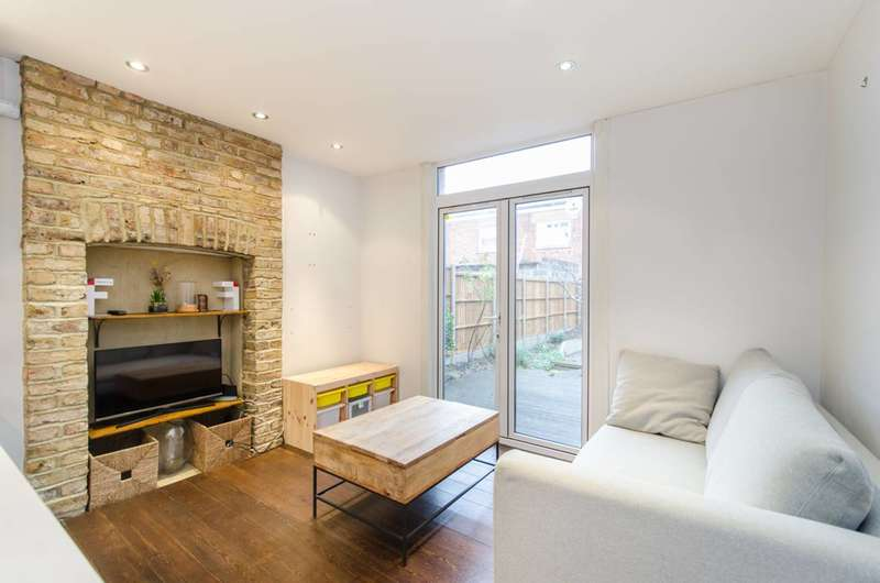2 Bedrooms Flat for rent in Ashford Road, Cricklewood, NW2