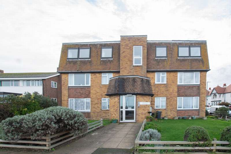 2 Bedrooms Flat for sale in Beacon Hill, Herne Bay, CT6