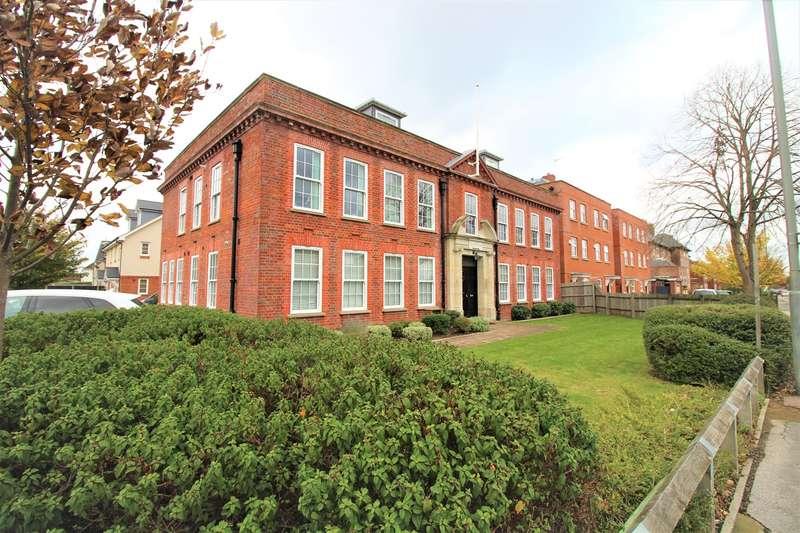 2 Bedrooms Apartment Flat for rent in St Albans Road East, Hatfield, AL10