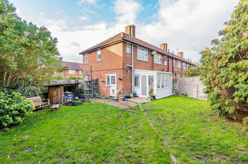 2 Bedrooms Terraced House for sale in Cattistock Road, London, SE9