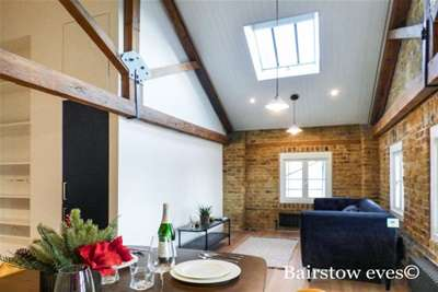 2 Bedrooms Flat for rent in THE OLD GRANARY, BARKING, IG11