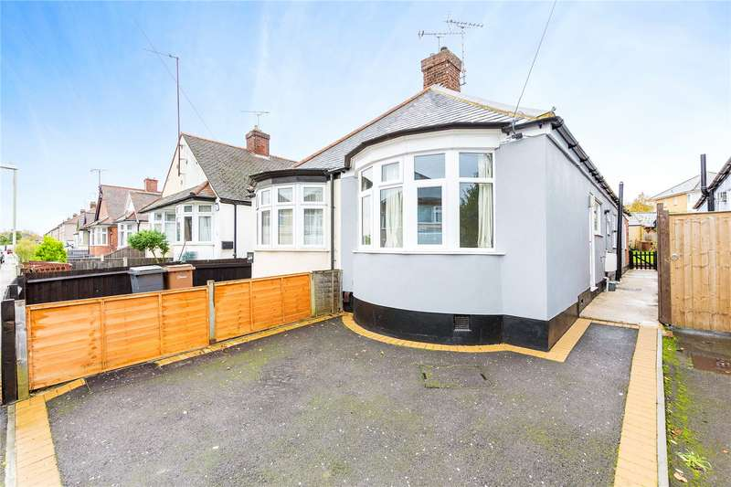 2 Bedrooms Semi Detached Bungalow for sale in Bruce Grove, Chelmsford, Essex, CM2