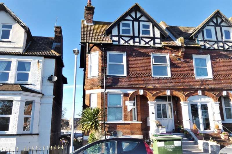 1 Bedroom Flat for sale in East Cliff Gardens, Folkestone, CT19