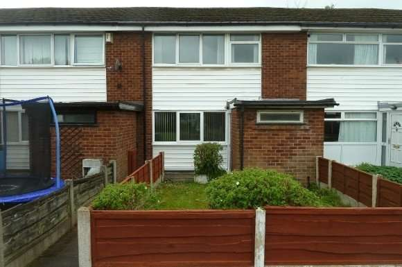 3 Bedrooms Property for rent in Lynmouth Court, Prestwich, M25